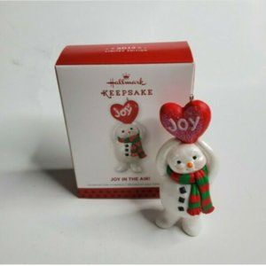 2013 Hallmark Keepsake Ornament Joy In The Air!